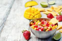 strawberry-mango-salsa-in-bowl